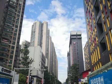金融城旁会展B区精装两房关门卖业主资金周转诚心出售满两年